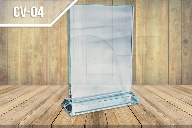 Estatuillas en vidrio en medellin para reconocimiento en vidrio y cristal para grabar en láser con mensaje de conmemoración