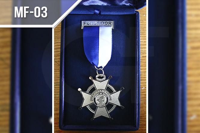 Medallas fotograbadas en Medellín, en acero inoxidable con corte láser