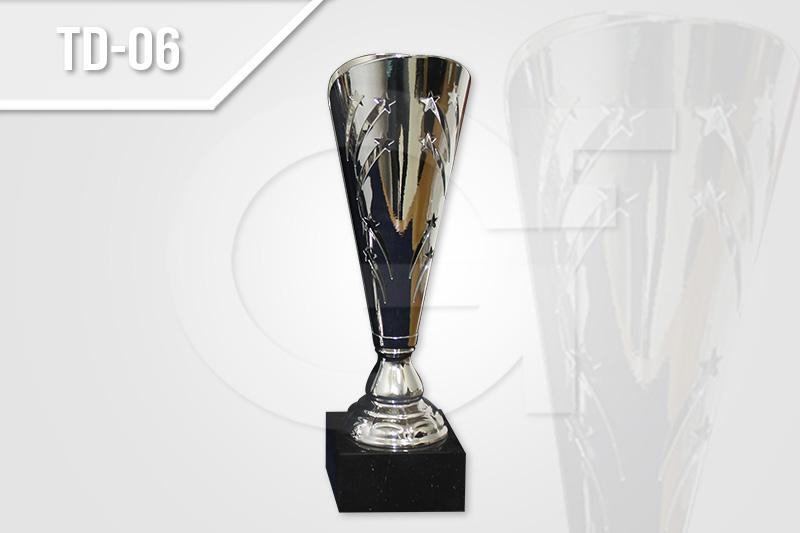 Trofeos deportivos, copas deportivas para partidos de fútbol en Medellín.