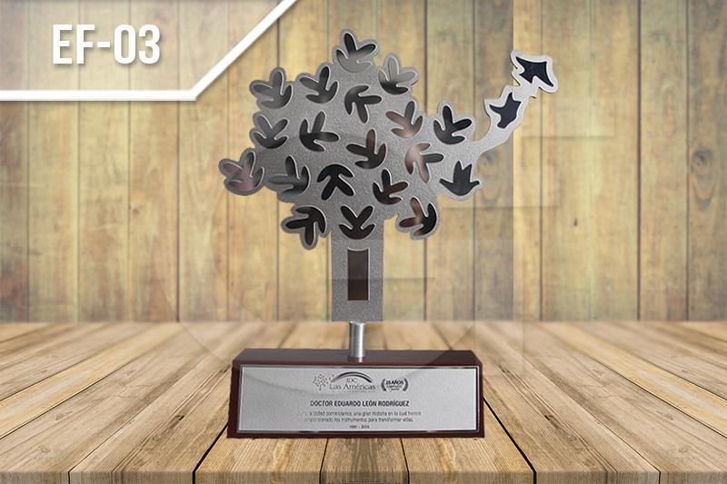 Estatuillas fotograbas en medellín para reconocimientos y conmemoraciones